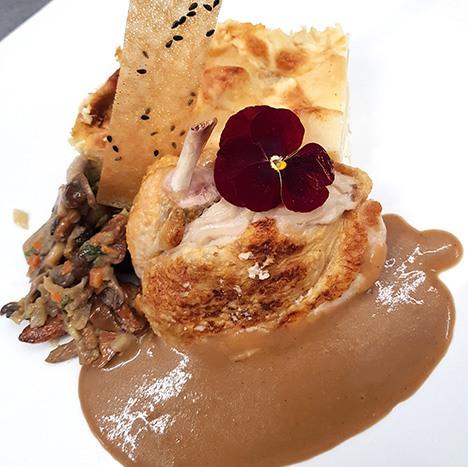 Pintade soufflée au foie gras
